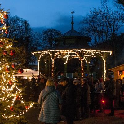 Weihnachtsmarkt im Stadtpark